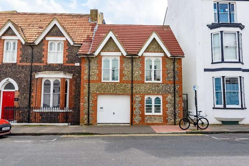2 Bedrooms Terraced House for sale in Chesham Road Brighton East Sussex BN2