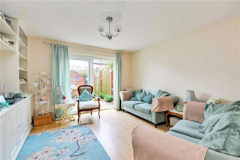 3 Bedrooms House for sale in Weavers Terrace, Micklethwaite Road, London, SW6