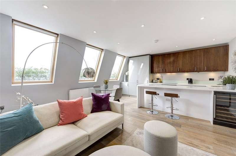 2 Bedrooms Flat for sale in St. Lukes Road, London