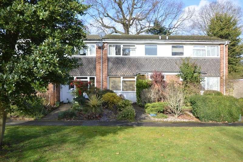 3 Bedrooms Terraced House for sale in Trafalgar Drive, WALTON ON THAMES KT12