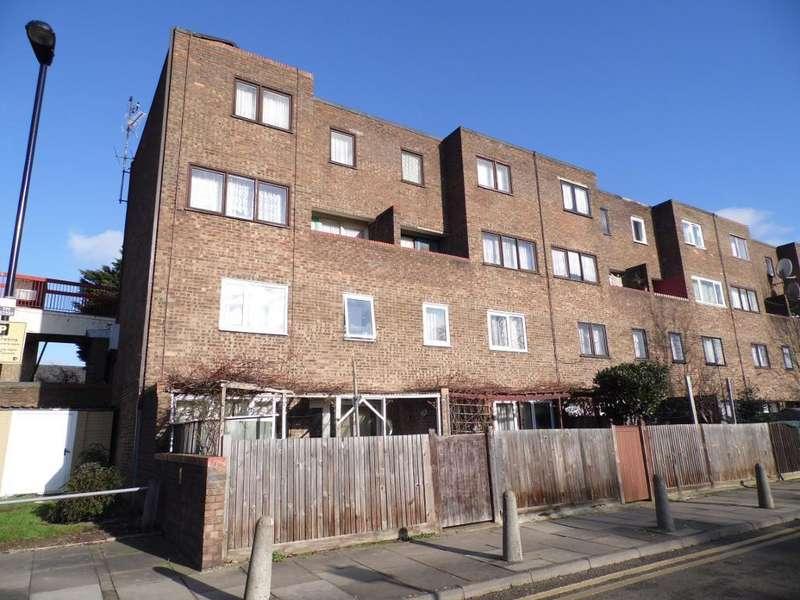 3 Bedrooms Maisonette Flat for sale in tamar way, London, n17 9hq
