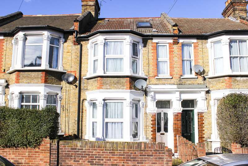4 Bedrooms Terraced House for sale in Barrett Road, Walthamstow E17