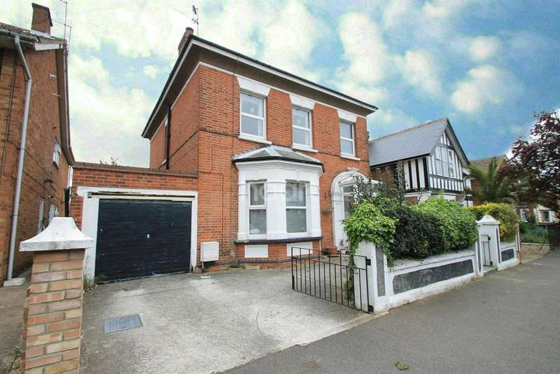4 Bedrooms Detached House for sale in East Clacton