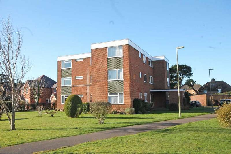 2 Bedrooms Apartment Flat for sale in Newtown Court, Warsash SO31