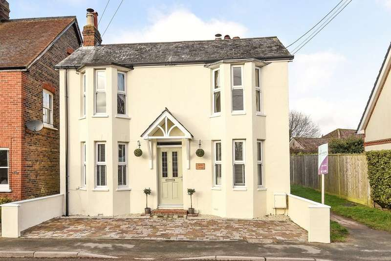 3 Bedrooms Detached House for sale in High Street, Partridge Green, RH13