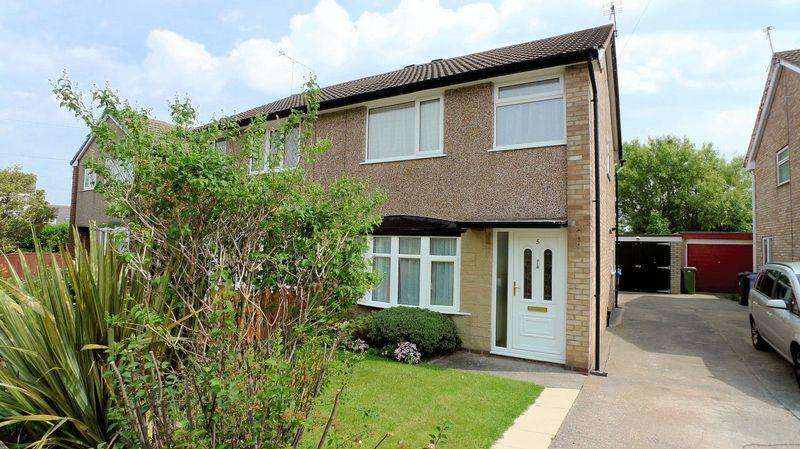 3 Bedrooms Semi Detached House for rent in Min Y Morfa, Prestatyn