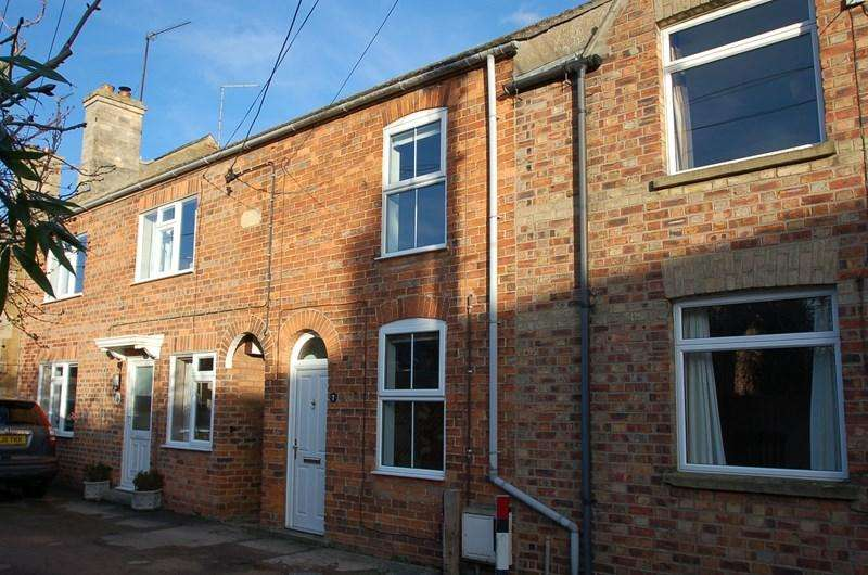 2 Bedrooms Cottage House for sale in Oundle, PE8