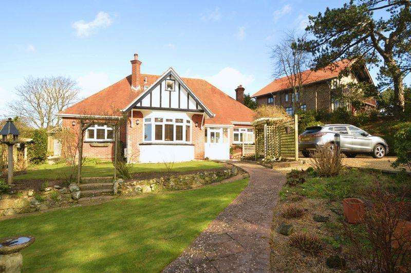 4 Bedrooms Detached Bungalow for sale in SHANKLIN