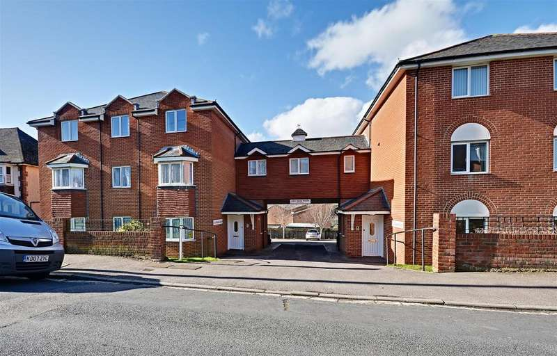 2 Bedrooms Flat for sale in Amherst Road, Bexhill-On-Sea