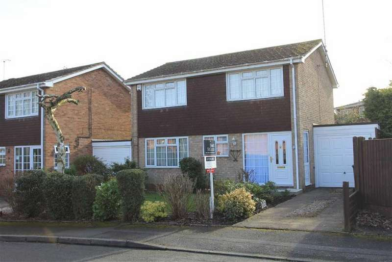 4 Bedrooms Detached House for sale in Laureston Drive, Stoneygate, Leicester