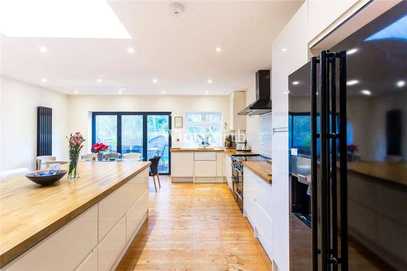 3 Bedrooms Terraced House for sale in Oakdale Road, Finsbury Park, London, N4