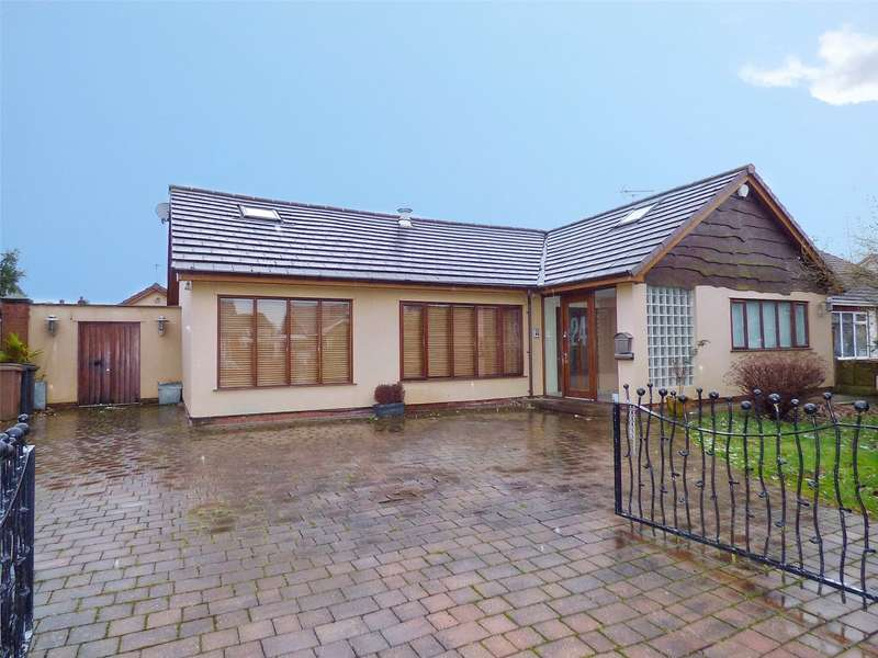 3 Bedrooms Detached House for sale in Hardfield Road, Alkrington, Middleton, Manchester, M24