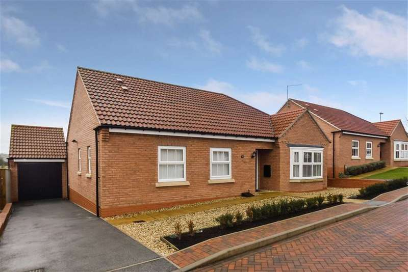 3 Bedrooms Detached Bungalow for sale in Fieldside Close, Cayton Village, North Yorkshire, YO11