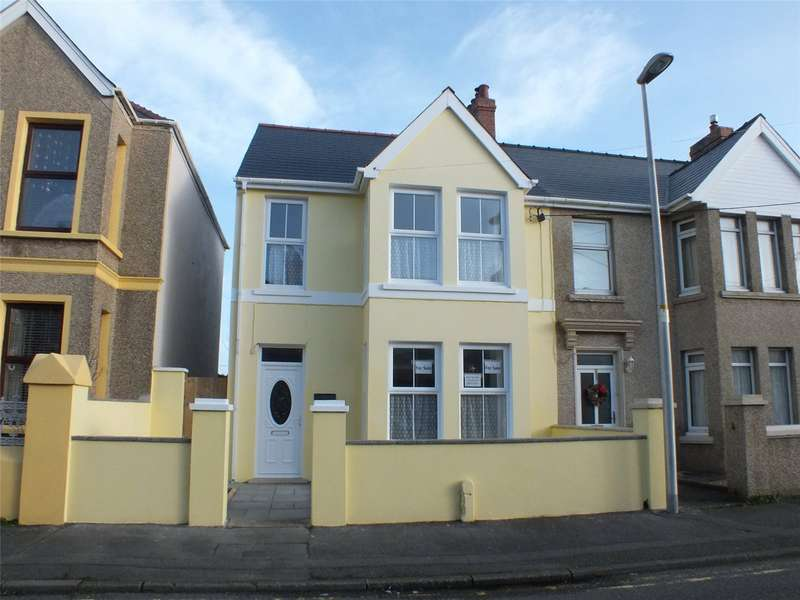 4 Bedrooms Semi Detached House for sale in Wellington Road, Hakin, Milford Haven