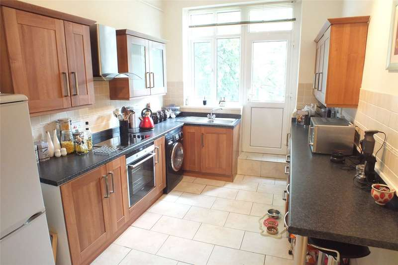 2 Bedrooms Flat for sale in Bush Street, Pembroke Dock, Pembrokeshire