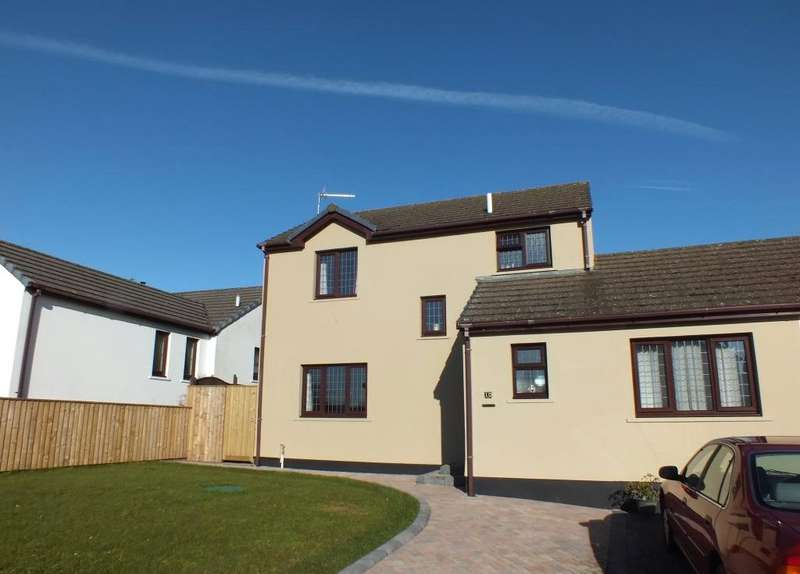 3 Bedrooms Link Detached House for sale in Grove Court, St. Florence, Tenby