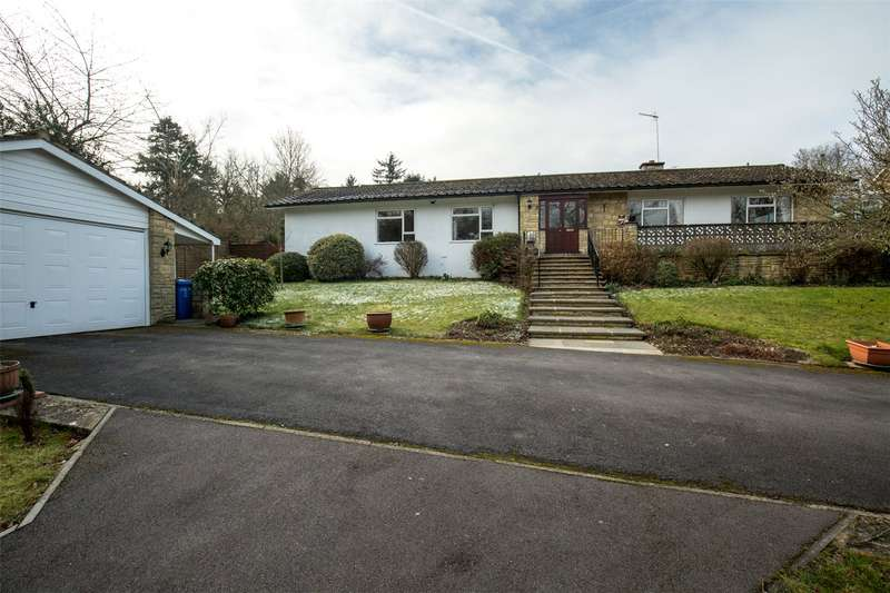 3 Bedrooms Detached Bungalow for sale in Dean Lane, Cookham Dean, Berkshire, SL6
