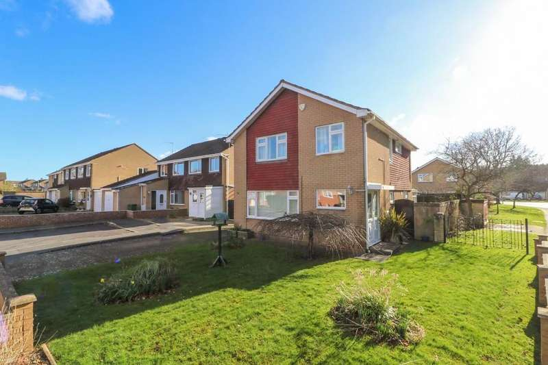 4 Bedrooms Detached House for sale in Willow Road, Street