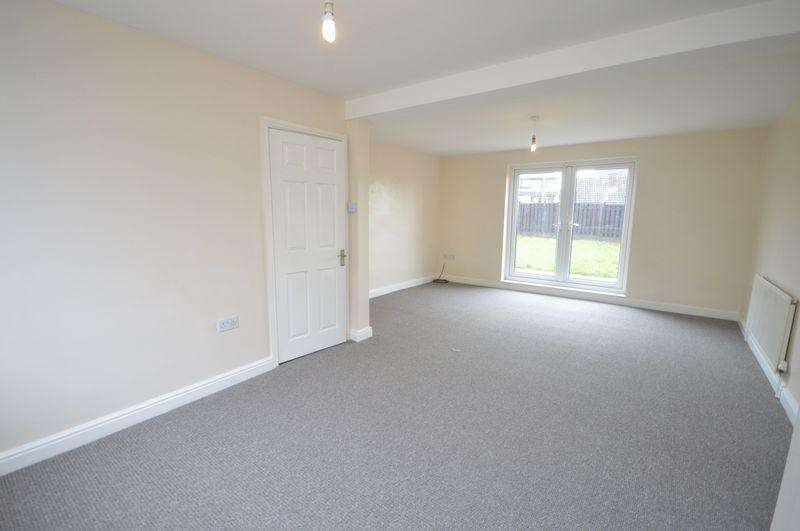 3 Bedrooms Semi Detached House for rent in Vale Avenue, Thrybergh, Rotherham