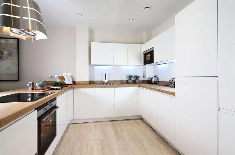 2 Bedrooms Flat for sale in 225, The Hamble, Lymington Shores, Bridge Street, Lymington, SO41