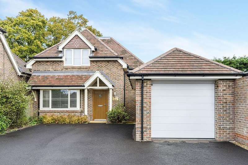4 Bedrooms Detached House for sale in Portsmouth Road, Old Netley, Southampton SO31