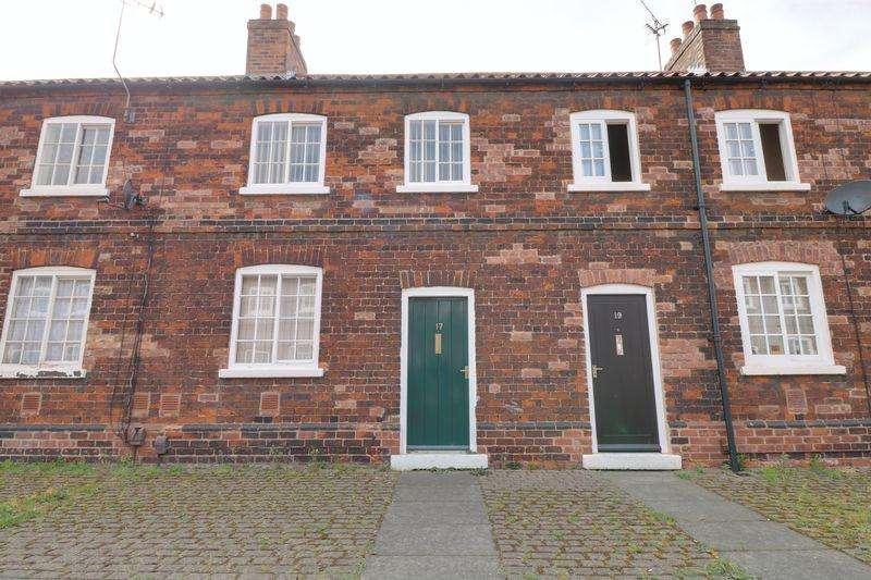 3 Bedrooms Terraced House for sale in Winn Street, Scunthorpe