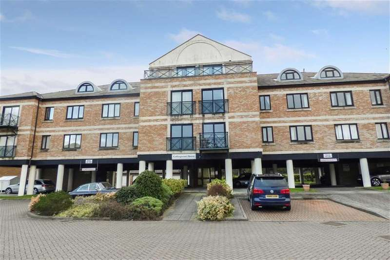 2 Bedrooms Flat for rent in Collingwood House, South Shields