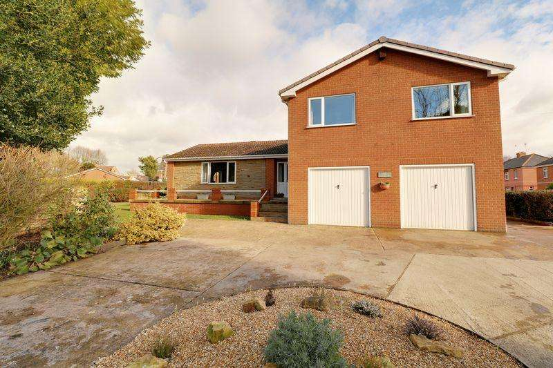 5 Bedrooms Detached House for sale in Moat House Road, Kirton Lindsey