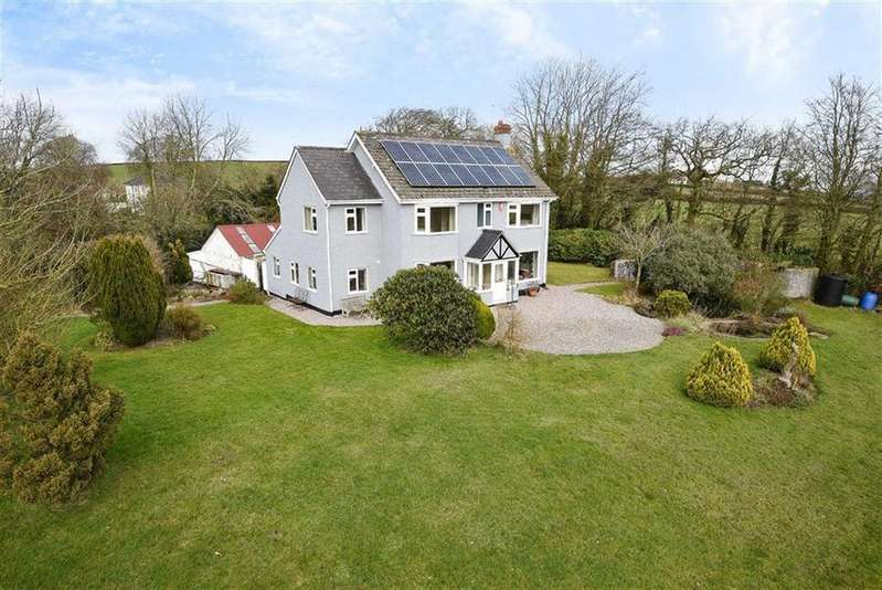 4 Bedrooms Detached House for sale in Hockworthy, Wellington, Somerset, TA21