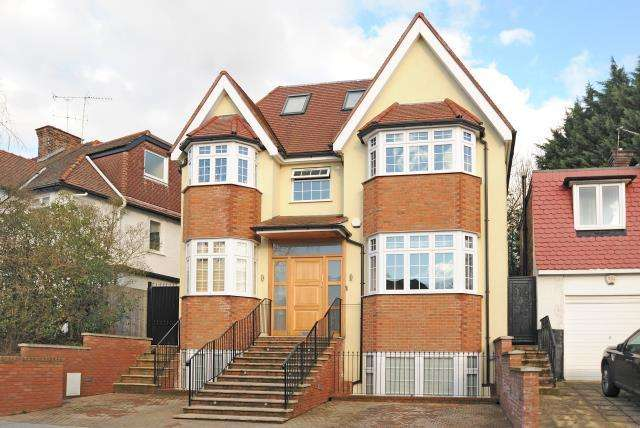 7 Bedrooms Detached House for sale in Finchley, London N3, N3