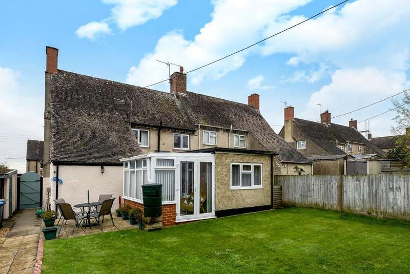 3 Bedrooms House for sale in Over Norton, Oxfordshire, OX7