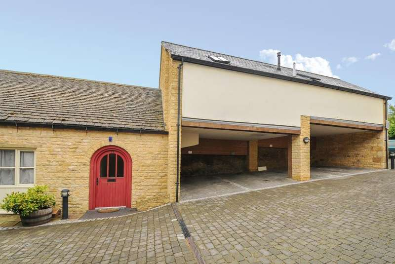 1 Bedroom Flat for sale in Chipping Norton, Oxfordshire, OX7