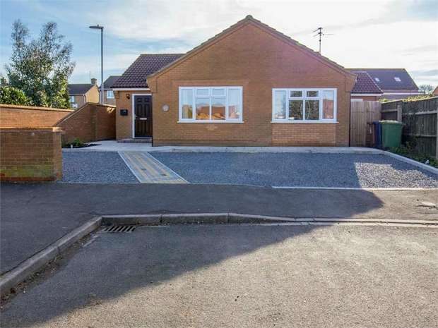 4 Bedrooms Detached Bungalow for sale in Bowker Way, Whittlesey, Peterborough, Cambridgeshire