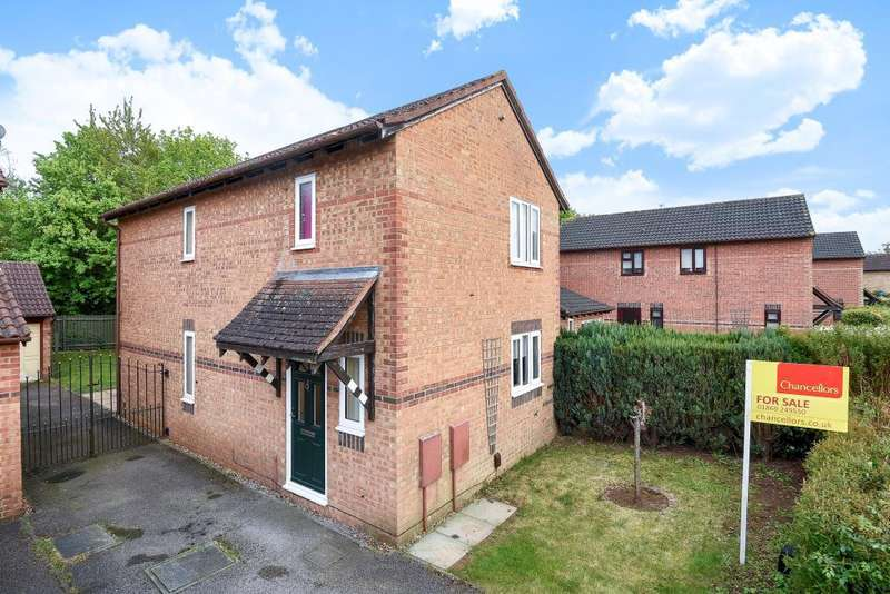 3 Bedrooms Detached House for sale in Hornbeam Road, Bicester, OX26