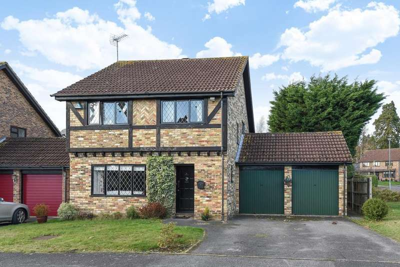 4 Bedrooms Detached House for sale in Martins Heron, Berkshire, RG12