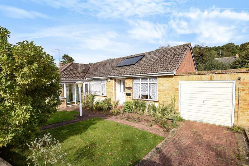 3 Bedrooms Detached Bungalow for sale in Briants Piece, Hermitage, RG18