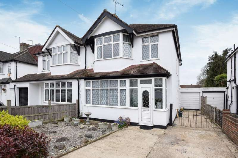 3 Bedrooms House for sale in Sunbury Court Road, Lower Sunbury, TW16