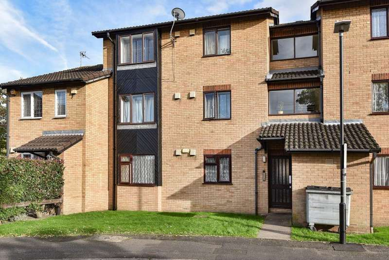 1 Bedroom Flat for sale in Cippenham, Slough, Berkshire, SL1