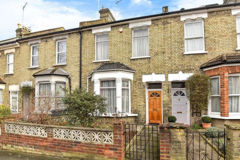 3 Bedrooms House for sale in Glenthorne Road, London N11, N11