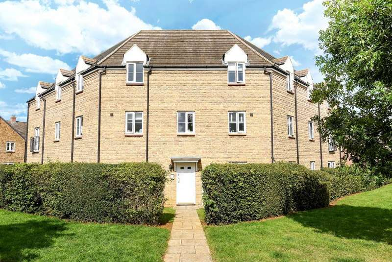 2 Bedrooms Flat for sale in Sir Henry Jake Close, Banbury, OX16