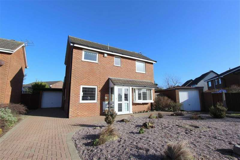 3 Bedrooms Detached House for sale in Frobisher Drive, Lytham St Annes, Lancashire