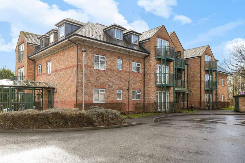 1 Bedroom Flat for sale in Aysgarth Place, Iver, Berkshire, SL0