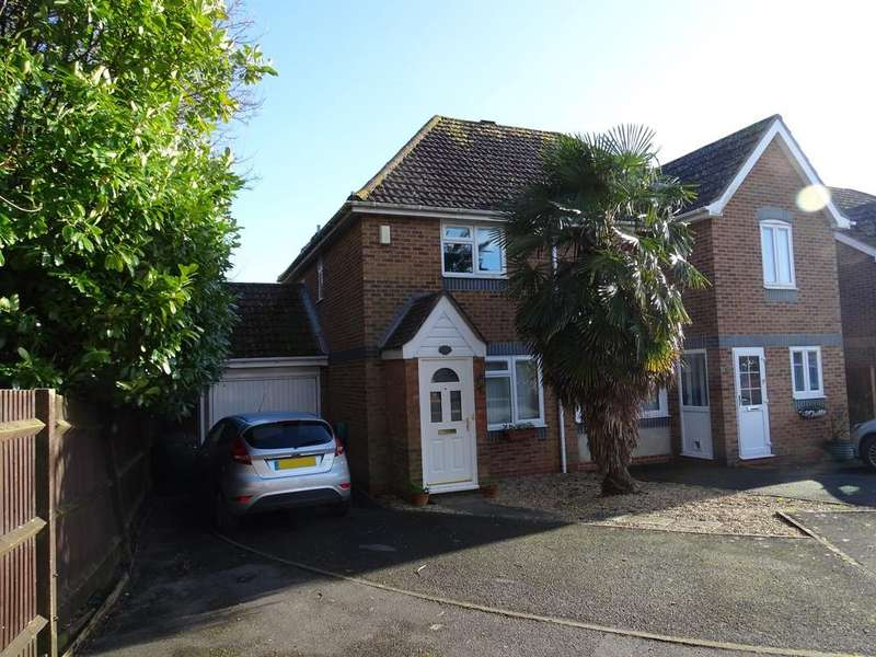2 Bedrooms Semi Detached House for sale in Tangmere, Chichester