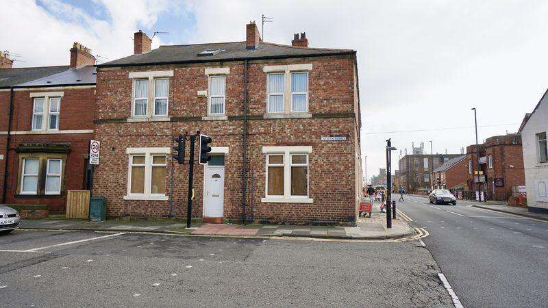 3 Bedrooms Maisonette Flat for sale in North Road Wallsend