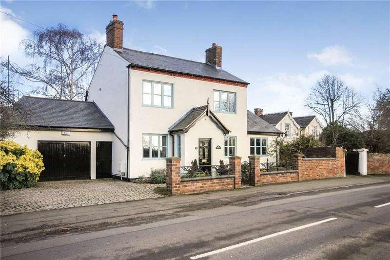 3 Bedrooms Detached House for sale in Love Lane, Stourbridge, West Midlands, DY8
