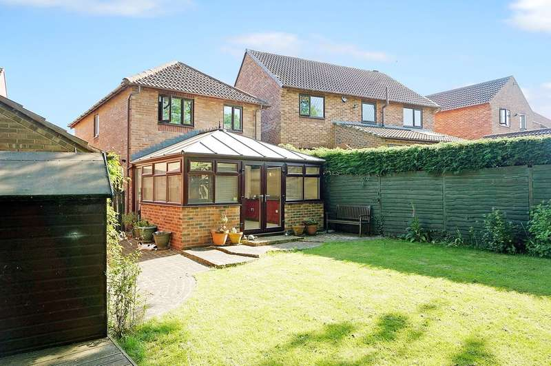 4 Bedrooms Detached House for sale in Ashburn Drive, Wetherby, LS22