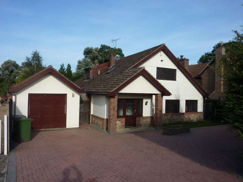 4 Bedrooms Detached House for sale in Bridge Road, Stoke Ferry