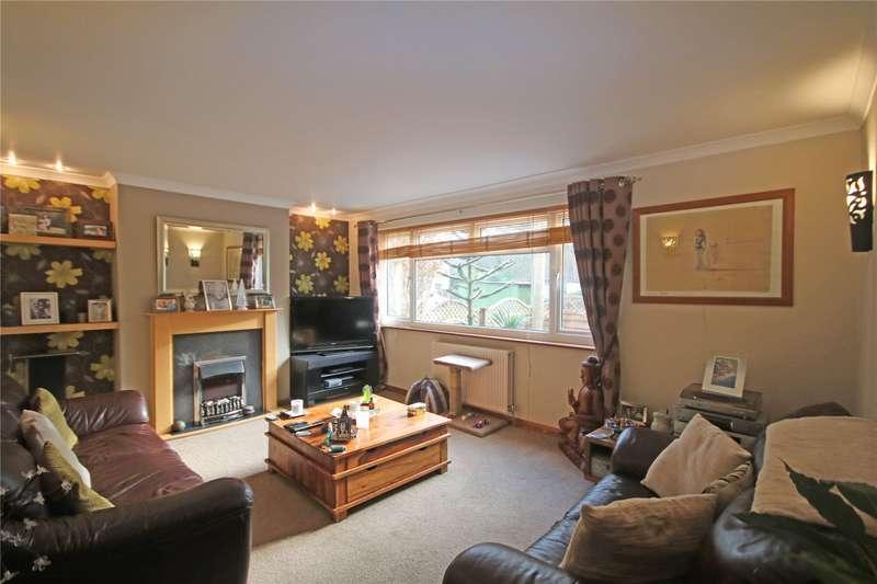 3 Bedrooms Semi Detached House for sale in Sandy Road, Addlestone, Surrey, KT15