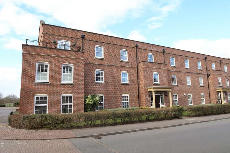 2 Bedrooms Apartment Flat for rent in Sherfield Park RG27