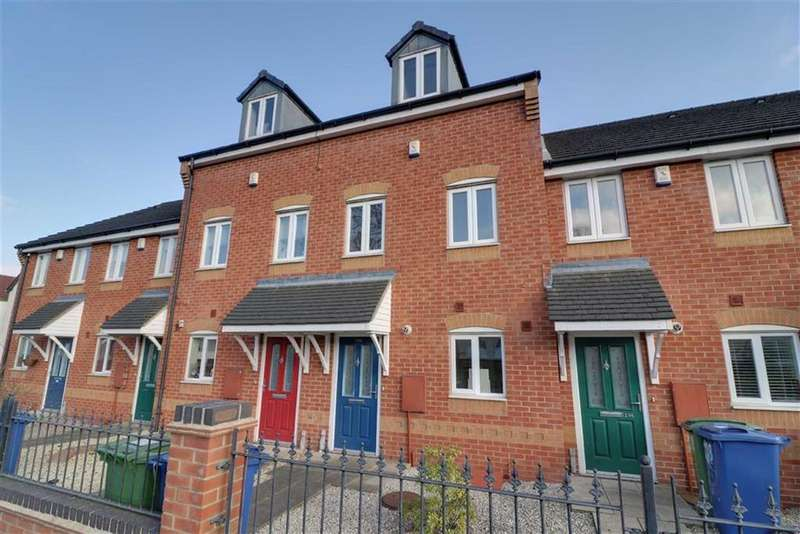 3 Bedrooms Terraced House for sale in Huntington Terrace Road, Cannock, Staffordshire